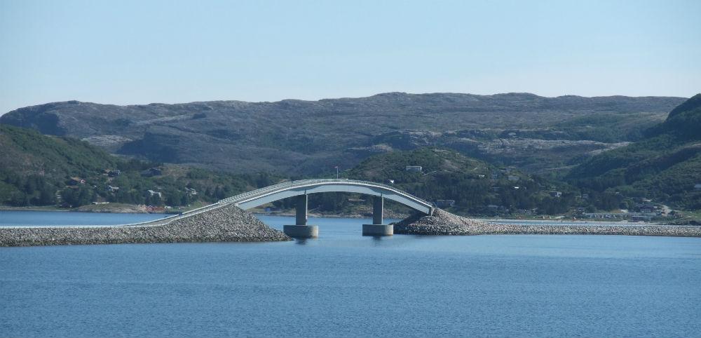 Bro til Linesøya